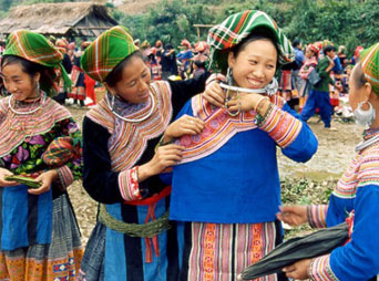 Sapa & Ethnic Colorful Market - 3Days/4Nights